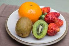 Pomarańczowa kiwi truskawka Fotografia Royalty Free