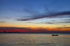 Pomarańczowej czerwieni horyzont podczas zmierzchu, HDR fotografia Fotografia Stock