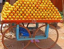 Pomarańczowi sprzedawcy i fury ind Obraz Royalty Free