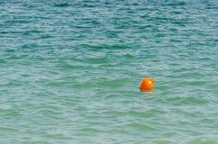 Pomarańczowy boja W oceanie Zdjęcia Royalty Free
