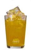 Pomarańczowy napój w szkle z kostkami lodu Zdjęcia Stock