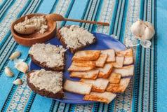 Pomazuha传统面包传播由猪油制成 免版税库存照片