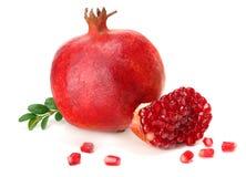 Pomegranate som isoleras på vitbakgrund royaltyfri fotografi