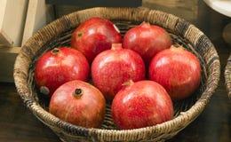 Pomegrantes frais Image libre de droits