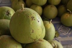 Pomelo φρούτα που πωλούνται στην αγορά στην Ταϊλάνδη Στοκ Εικόνες