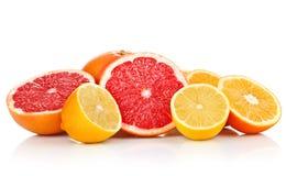 Pomelo anaranjado del limón de las frutas frescas en corte Foto de archivo libre de regalías