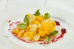 Pomelo de la naranja de la ensalada de fruta Imagenes de archivo