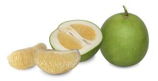 Pomelo jest rośliną w ten sam rodzinie jak pomarańcze z gęstą dimpled skórą fotografia stock