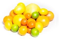 Pomelo, naranja, limón, cal imágenes de archivo libres de regalías