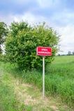 Pomeranian Voivodeship, Polônia - 17 de junho de 2017: Sinal da área fronteiriça fotografia de stock royalty free