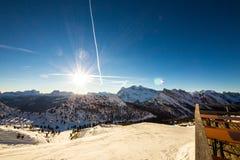 Pomeriggio alla capanna alpina Fotografia Stock Libera da Diritti