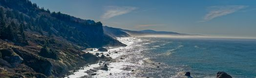 Pomeriggio della linea costiera della contea di Humboldt immagini stock libere da diritti