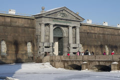 Pomeriggio soleggiato dei portoni Peter e di Paul Fortress febbraio St Petersburg Immagine Stock