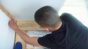 Pomiarowa taśmy małej deski drewno miara zdjęcie wideo