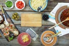 Pomidor, spaghetti, jedzenie, basil, tło, włoch, posiłek, sauc zdjęcie royalty free