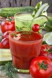 Pomidorowi i ogórkowi soki zdjęcie stock