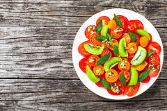 Pomidoru, kiwifruit i mennicy sałatka, widok od above Obrazy Royalty Free