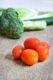 Pomidory, brokuły, ogórek, burak selekcyjna ostrość Fotografia Royalty Free