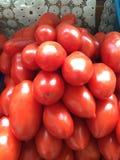 Pomidory na kontuarze zdjęcia stock