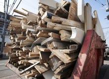 Pominięcie ładujący z starym drewnem Fotografia Stock