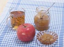 Pomme, confiture de pomme et jus de pomme mûrs Photo libre de droits