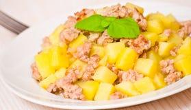 Pomme de terre avec de la viande hachée Photo libre de droits