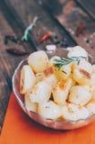 Pomme de terre avec Rosemary Image libre de droits