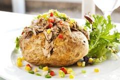 Pomme de terre cuite au four avec le thon Photos libres de droits