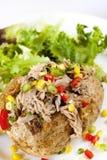 Pomme de terre cuite au four avec le thon Images libres de droits