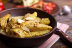 Pomme de terre cuite au four d'un plat Photographie stock libre de droits