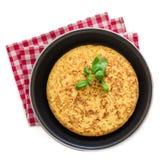 Pomme de terre espagnole omelet tortilla de patatas d'isolement sur le Ba blanc Photo stock
