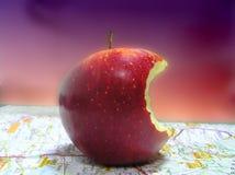 Pomme mordue Photographie stock libre de droits