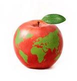 Pomme rouge avec la carte verte du monde, d'isolement sur le fond blanc Photographie stock libre de droits