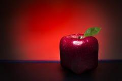 Pomme rouge de cube Images libres de droits