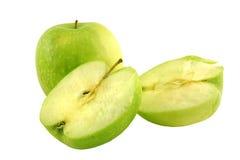 Pomme verte à côté d'une certaine pomme Photographie stock libre de droits