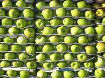 Pommes à vendre photos stock