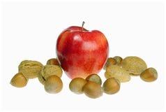 Pommes avec des noix image libre de droits