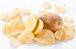Pommes chips d'isolement sur le blanc Photo libre de droits