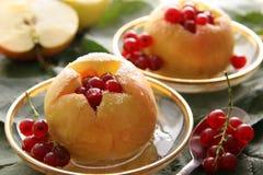 Pommes cuites au four. Photos libres de droits