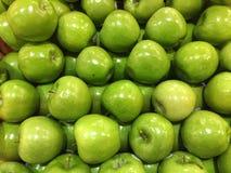 Pommes de Smith de mamie Photos stock