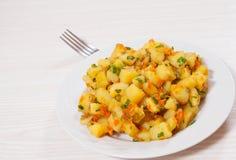 Ratatouille avec des pommes de terre photo stock image 69937915 - Conservation pommes de terre cuites ...