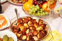 Pommes de terre cuites au four en lard Photographie stock libre de droits