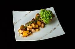 Pommes de terre cuites délicieuses avec de la viande pour le restaurant ou le café de menu Photographie stock libre de droits