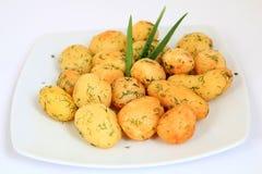 pommes de terre d'ail rôties images stock