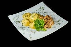 Pommes de terre et boeuf bouillis Stroganov Un déjeuner ou un dîner délicieux Photos libres de droits