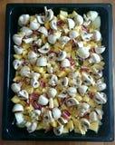 Pommes de terre, mashrooms et lard coupés en tranches Images libres de droits