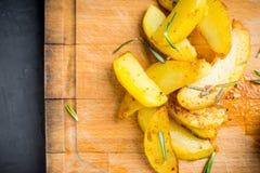 Pommes de terre rôties avec des épices Image stock