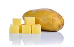Pommes de terre sur le fond blanc Images libres de droits