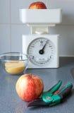 Pommes et échelle Image libre de droits
