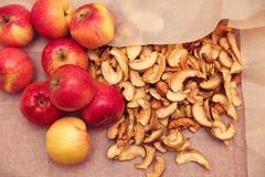 Pommes fraîches et sèches Photo stock